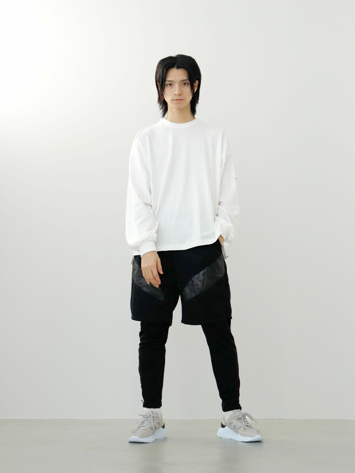 logo print long-T   /  off white