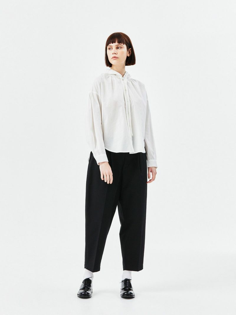 hooded shirt / off white