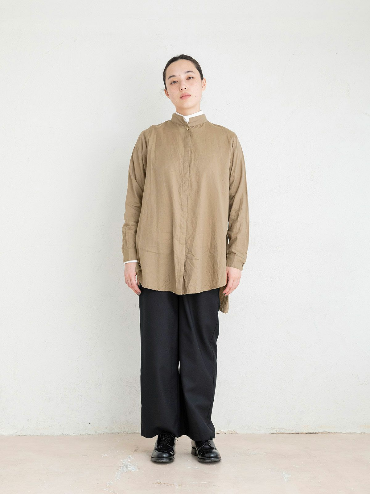 stand collar box shirt   /  off white