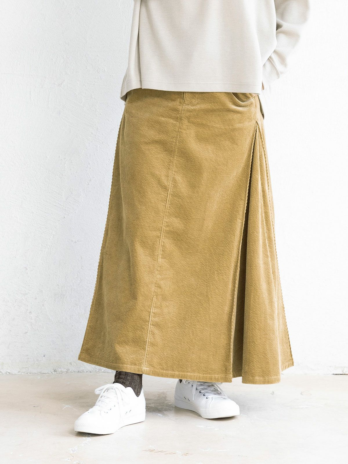 corduroy side flare long SK   /  black