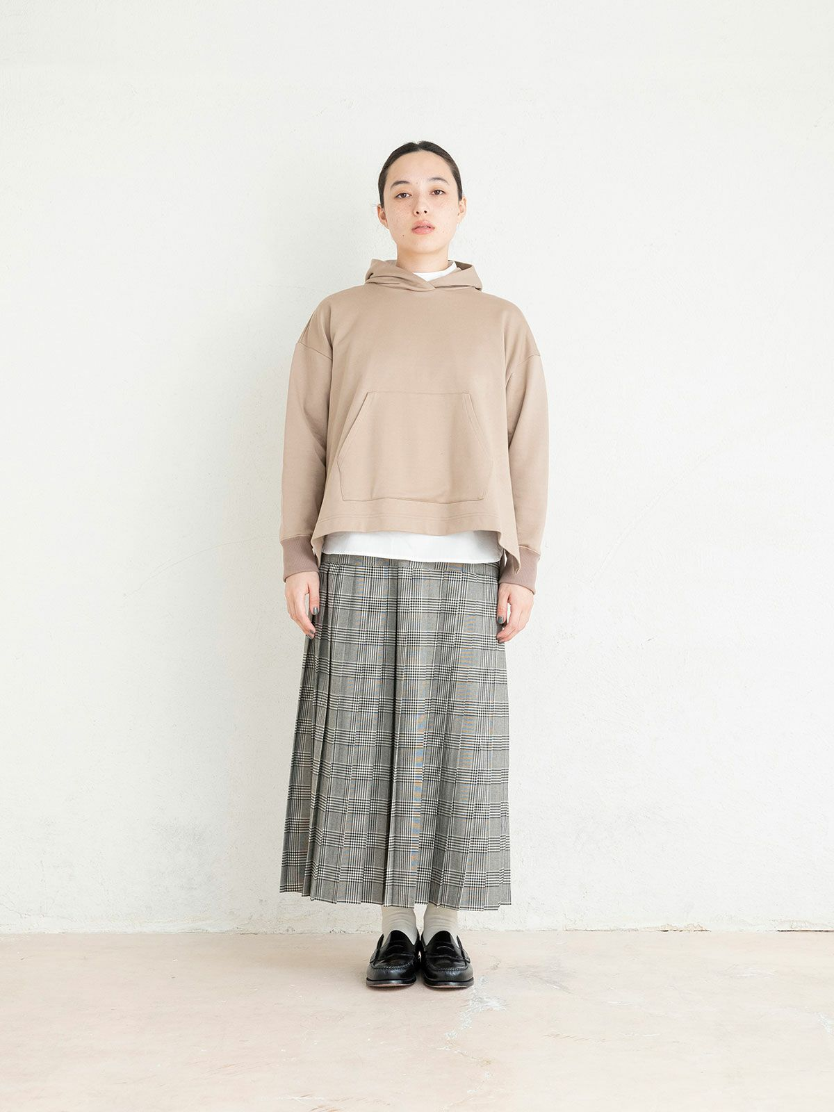 pleats skirt   /  off white×black