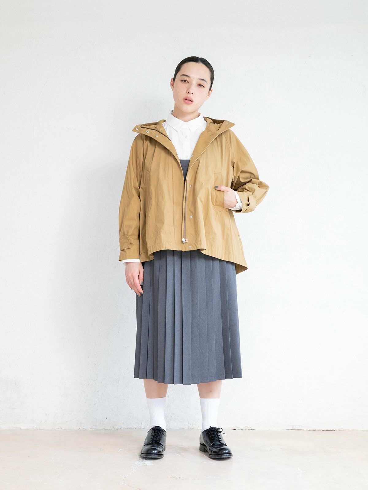 hooded flare short coat   /  beige
