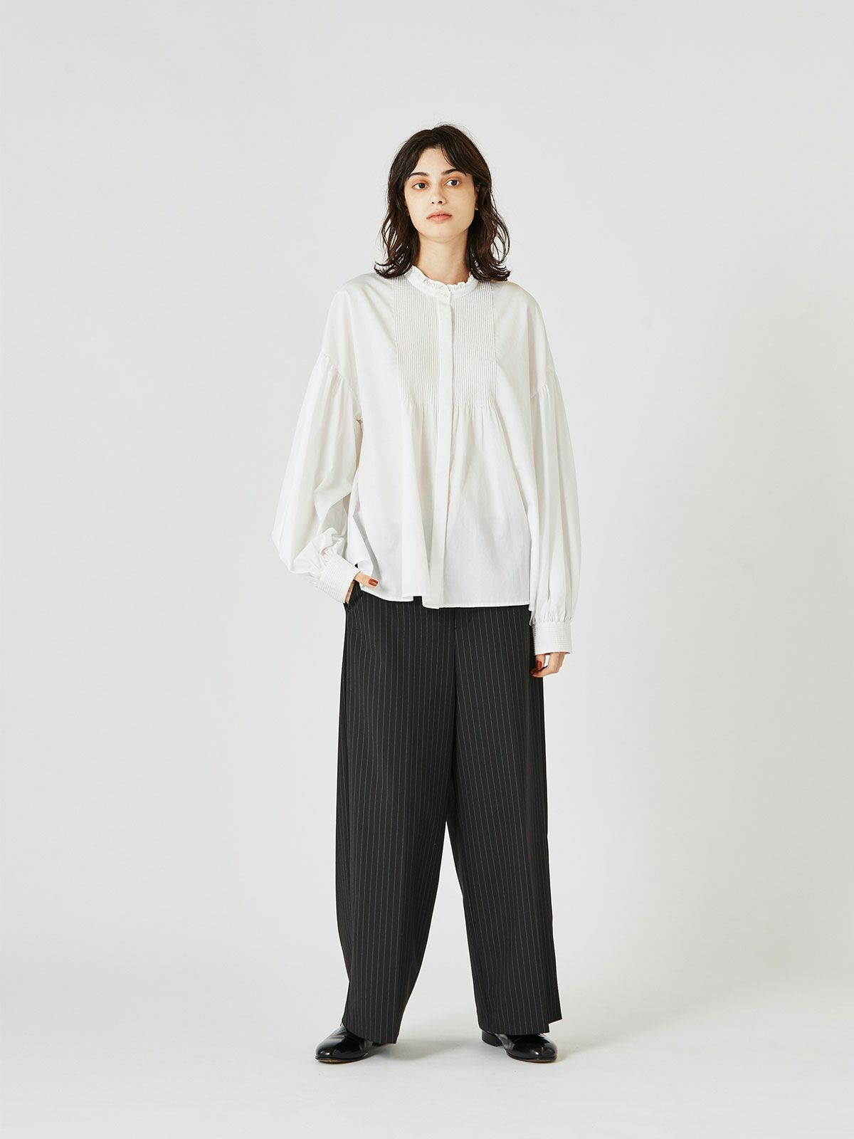 pin tuck blouse   /  off white 11
