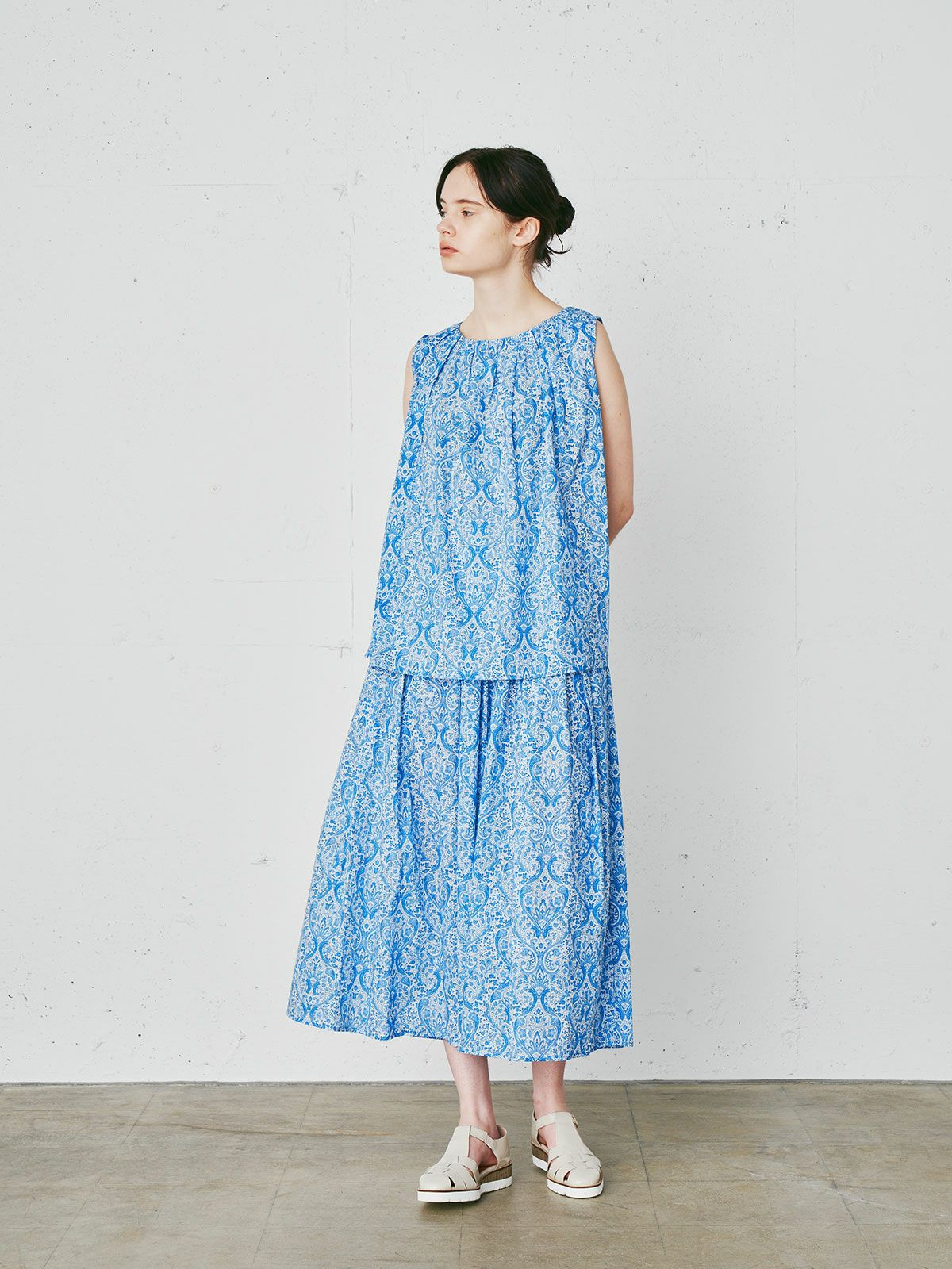 Deveaux print tucked n/slv PO  /  blue